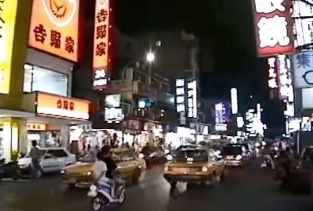 台北の道路1.jpg