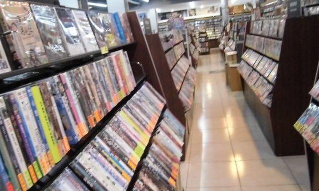 台湾CD店3.jpg