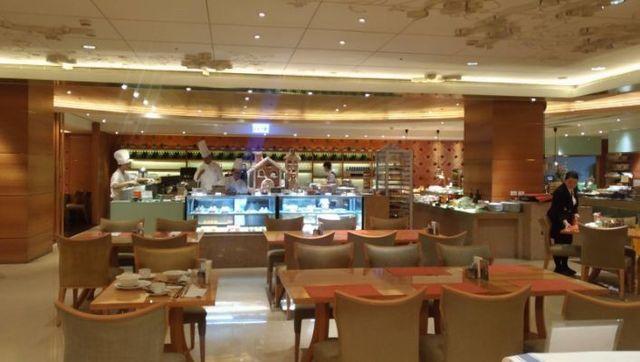 台湾ビュッフェレストラン4.jpg